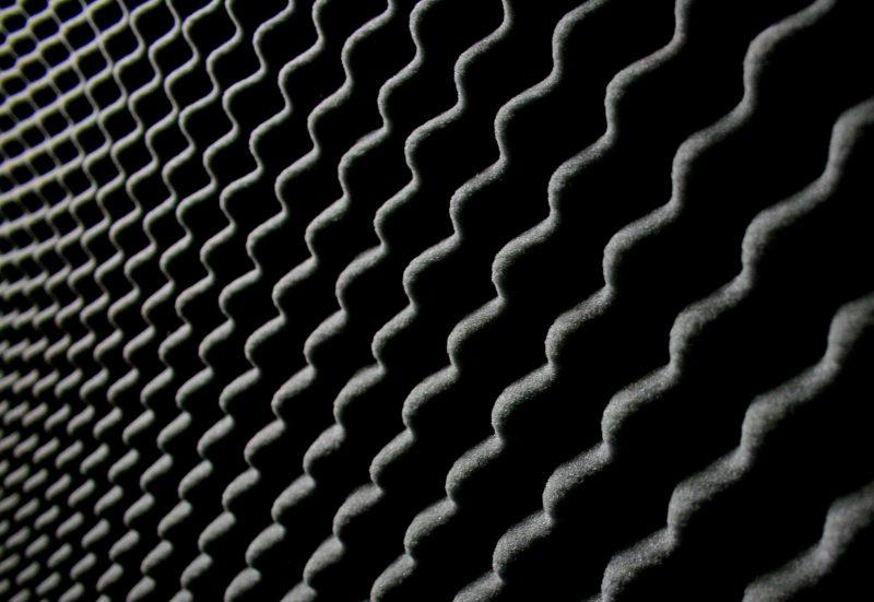 Närbild av ljudabsorbenter i studio